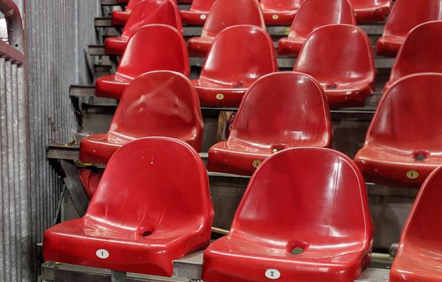 elio-seats-empty1